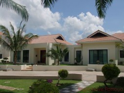 5 Bed House For Sale In East Pattaya - Santa Maria