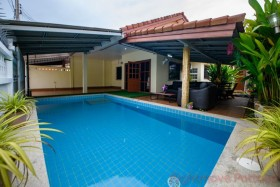 2 Beds House For Sale In East Pattaya - Pattaya Wadee