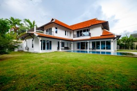 4 Bed House For Sale In East Pattaya - Natheekarn