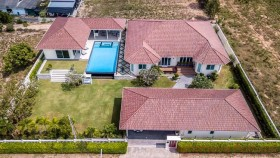 5 Bed House For Sale And Rent In East Pattaya - Not In A Village