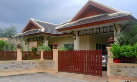 3 Beds House For Rent In East Pattaya - Rose Land & House