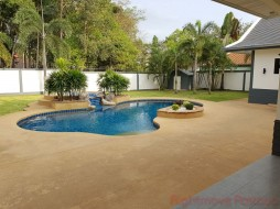 4 Bed House For Sale And Rent In East Pattaya - Foxlea Villas