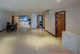 3 Beds Condo For Sale In Pratumnak - VN Residence 1