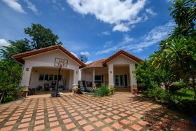 11 Bed House For Sale In East Pattaya - Not In A Village