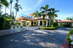 5 Bed House For Sale In East Pattaya - Paradise Villa 2