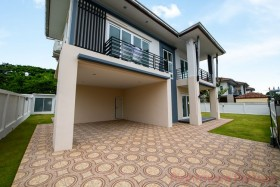 4 Bed House For Sale In East Pattaya - Lakeside Court 5