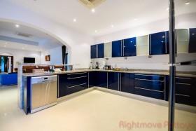 2 Bed House For Rent In Jomtien - Jomtien Park Villas