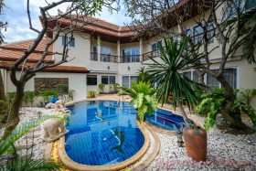 4 Bed House For Sale And Rent In Pratumnak - Not In A Village