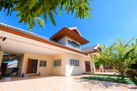 4 Bed House For Rent In East Pattaya - Rose Land & House