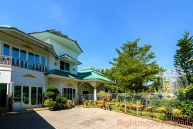 9 Beds House For Sale In East Pattaya - Not In A Village