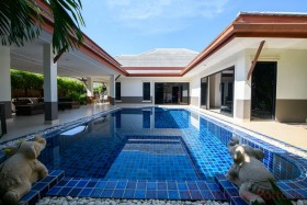 4 Beds House For Sale In Ban Amphur - Baan Dusit Pattaya Park