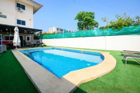 4 Beds House For Sale In South Pattaya - Not In A Village