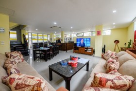 4 Bed House For Sale In Central Pattaya - Mid Town Villas