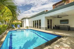 3 Beds House For Sale In East Pattaya - Siam Royal View