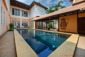 6 Beds House For Sale In Pratumnak - Not In A Village