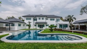 7 Beds House For Sale In East Pattaya - Not In A Village