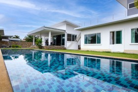 6 Bed House For Sale In East Pattaya - Not In A Village