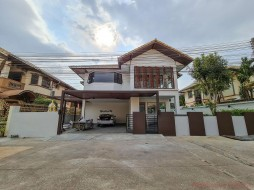 4 Beds House For Sale In East Pattaya - Wantip 2