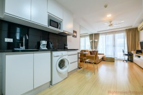 1 Bed Condo For Sale And Rent In Central Pattaya - The Urban
