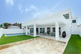 4 Beds House For Rent In Jomtien - Casa Jomtien Village