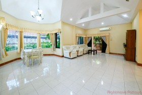 2 Beds House For Sale In East Pattaya - Pattaya Hills 2
