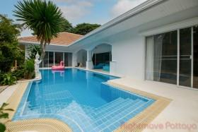 4 Bed House For Sale And Rent In Jomtien - Jomtien Park Villas